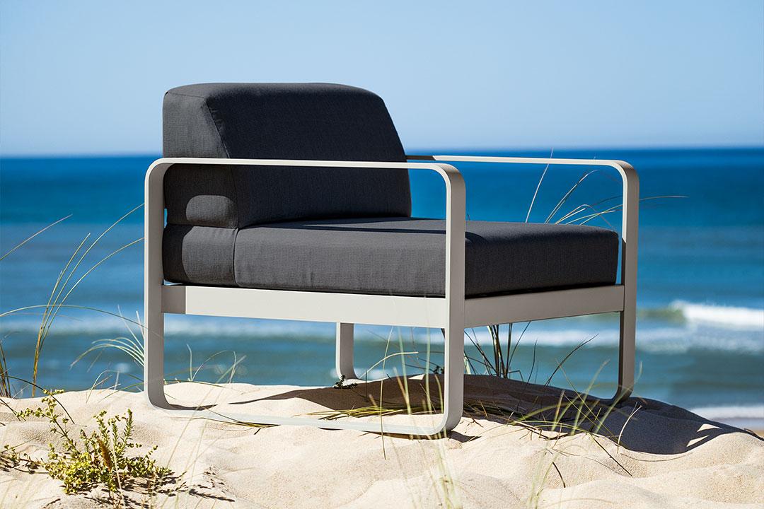 fauteuil exterieur, outdoor armchair, fermob fauteuil, fermob armchair, fauteuil impermeable, chaise fermob, fermob chair