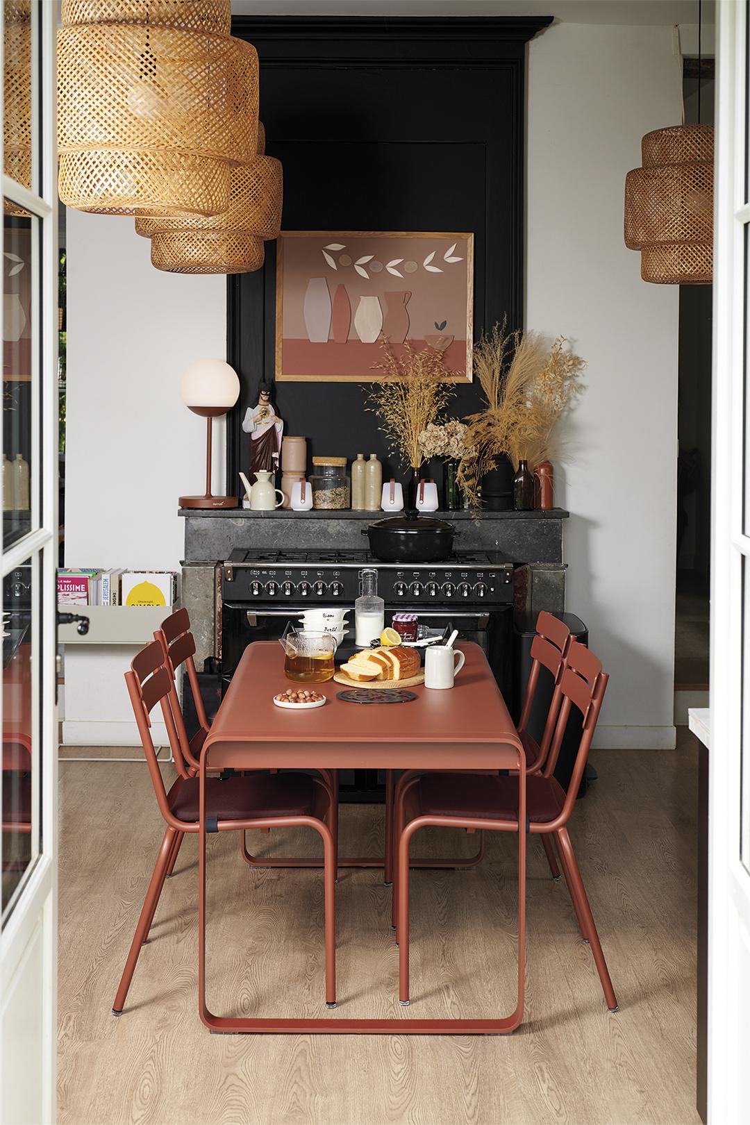 chaise metal, table metal, chaise fermob, table de jardin, mobilier de jardin en metal, metal furniture