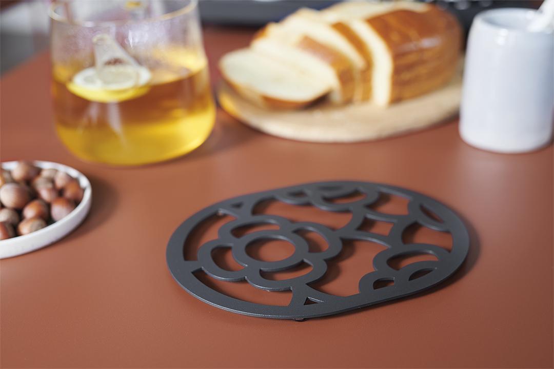 dessous de plat design, dessous de plat metal, dessous de plat original, designer trivet