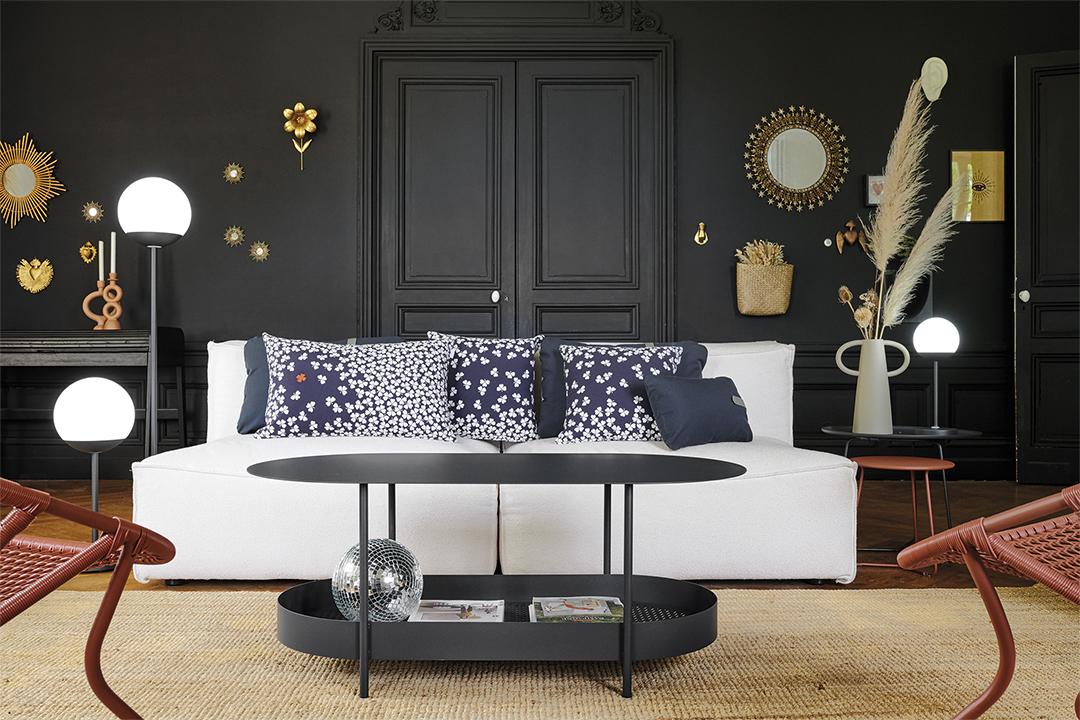 salon design, table basse metal, table basse avec rangement, table basse fermob, coussin deco, coussin fermob, lampe sans fil, lampe fermob, lampe a poser bluetooth