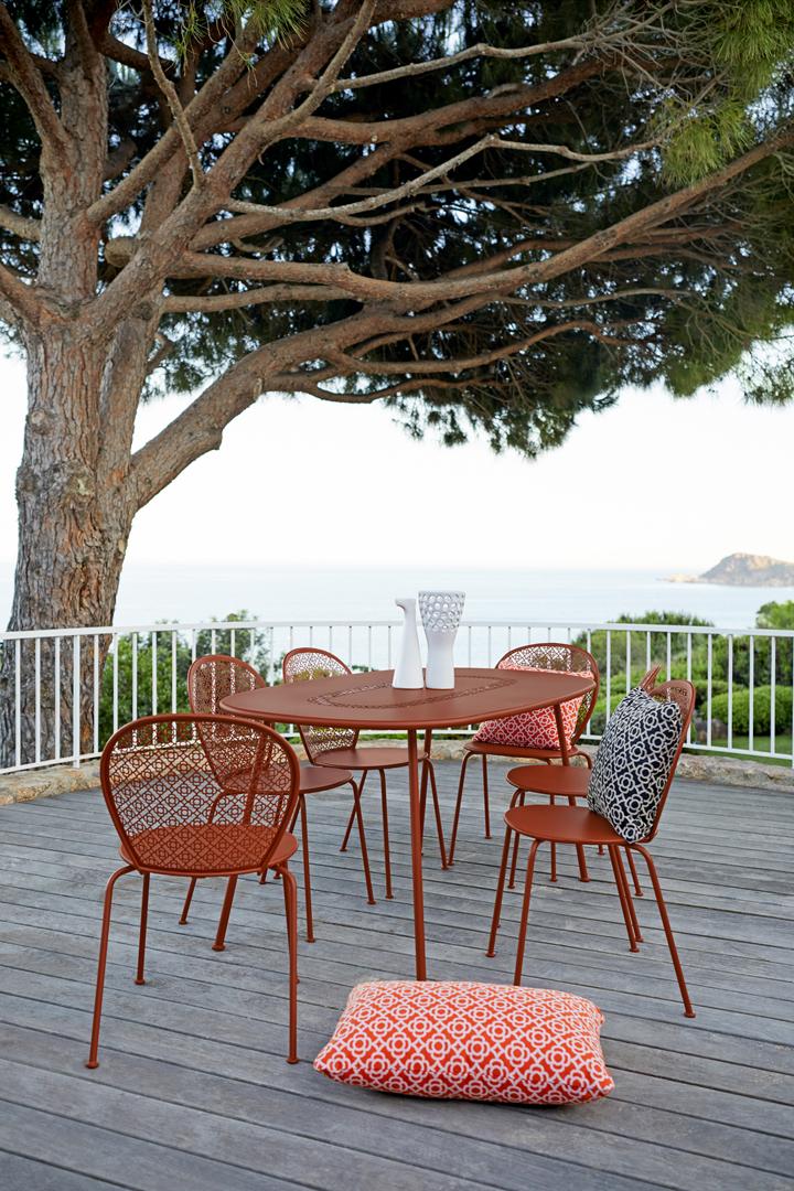 chaise metal, chaise design, table de jardin, mobilier terrasse, table metal