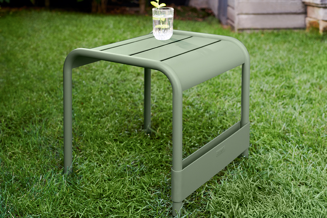 repose pieds metal, table basse metal, salon de jardin, mobilier terrasse, mobilier de jardin