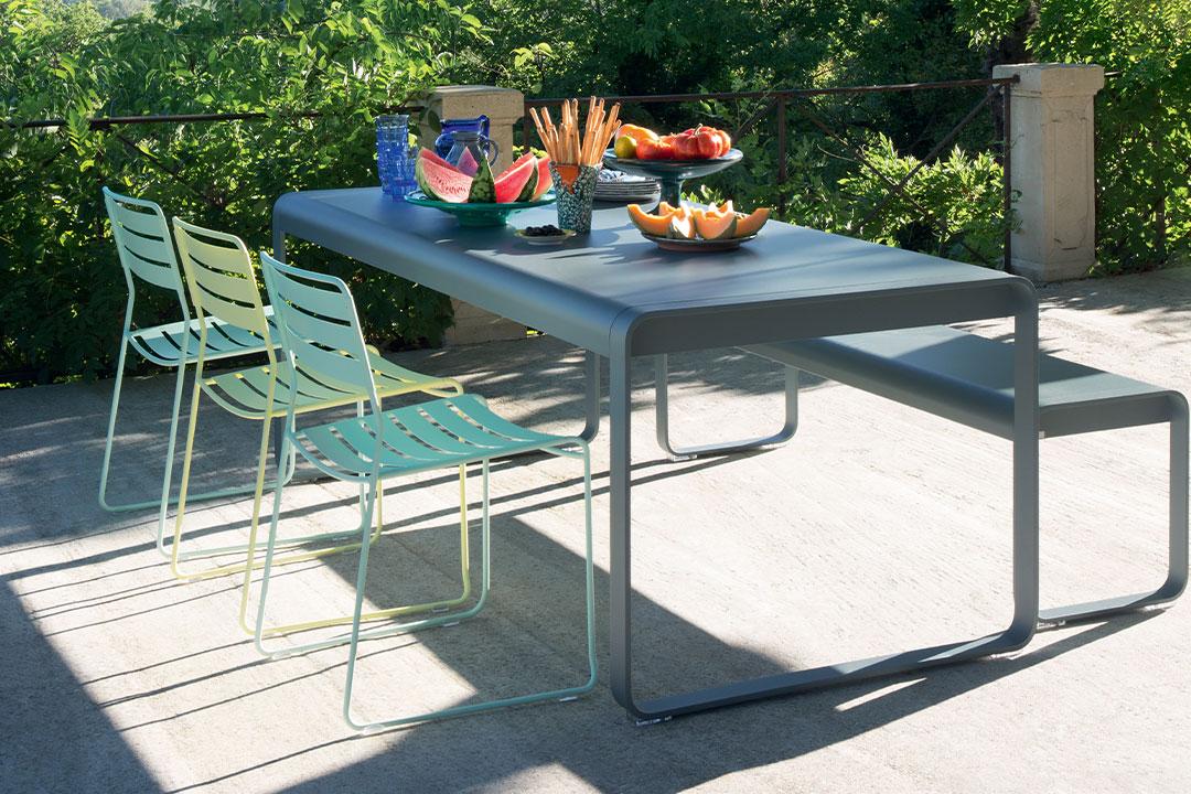 Ensemble repas, Fermob, outdoor, extérieur, banc, chaise métal, table métal, banc métal, mobilier de jardin, table de jardin  chaise de jardin, mobilier exterieur
