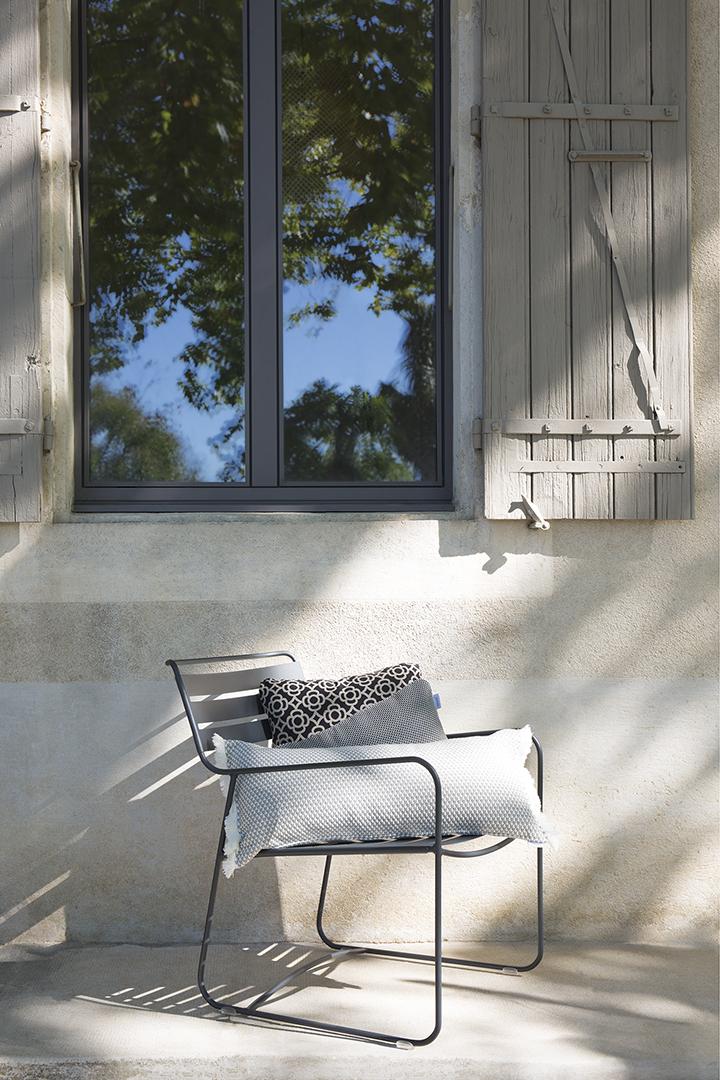 fauteuil de jardin, fauteuil metal, fauteuil terrasse, fauteuil de jardin design, coussin outdoor,