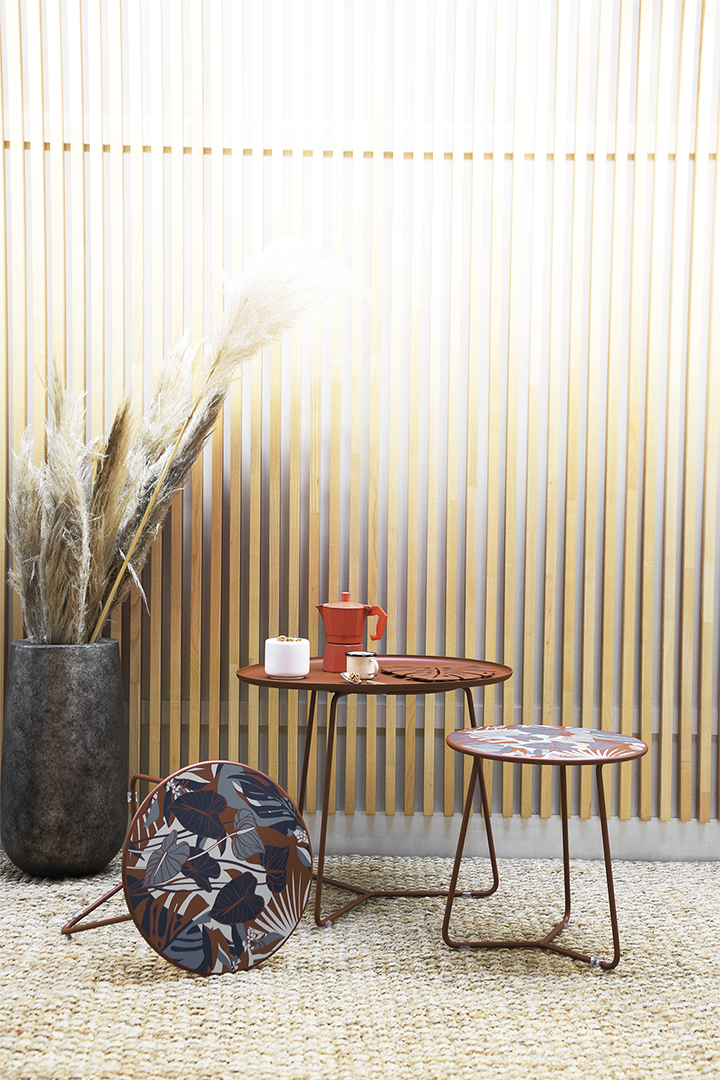 table basse, table basse design, table d'appoint design, table basse metal