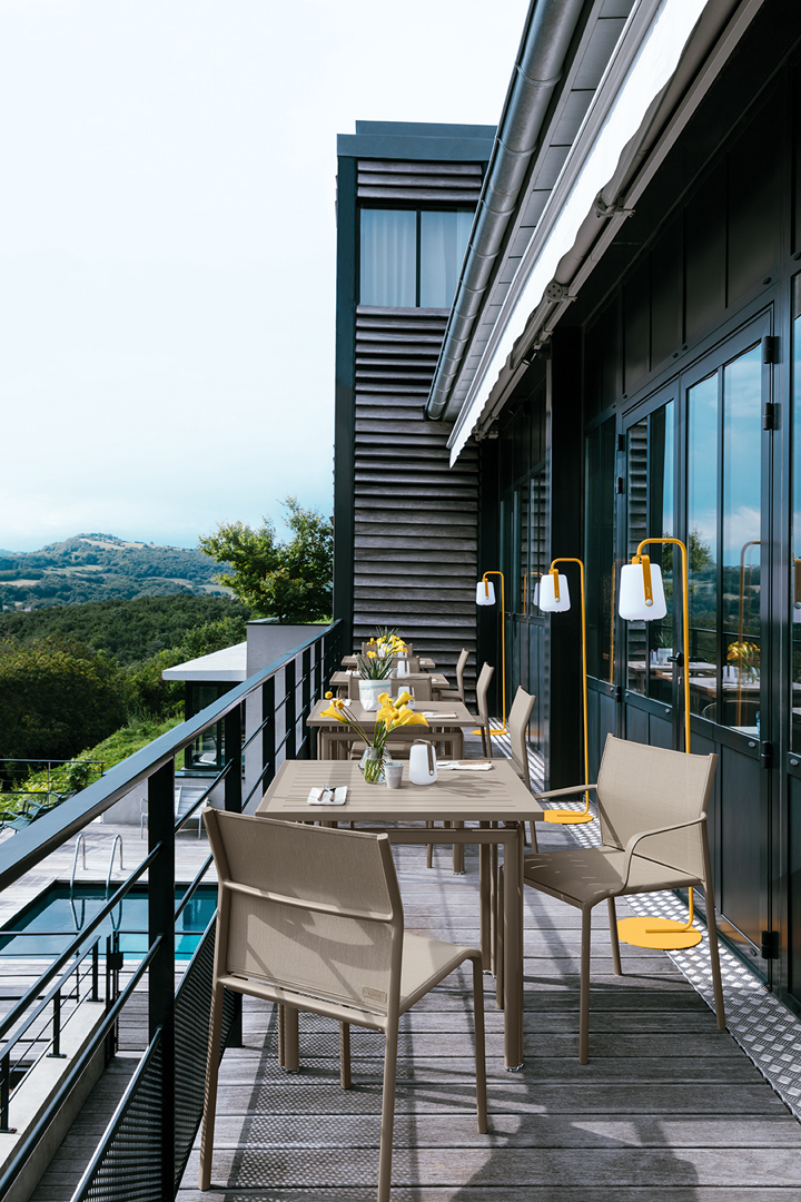 chaise de terrasse, chaise en toile, table metal, mobilier restaurant