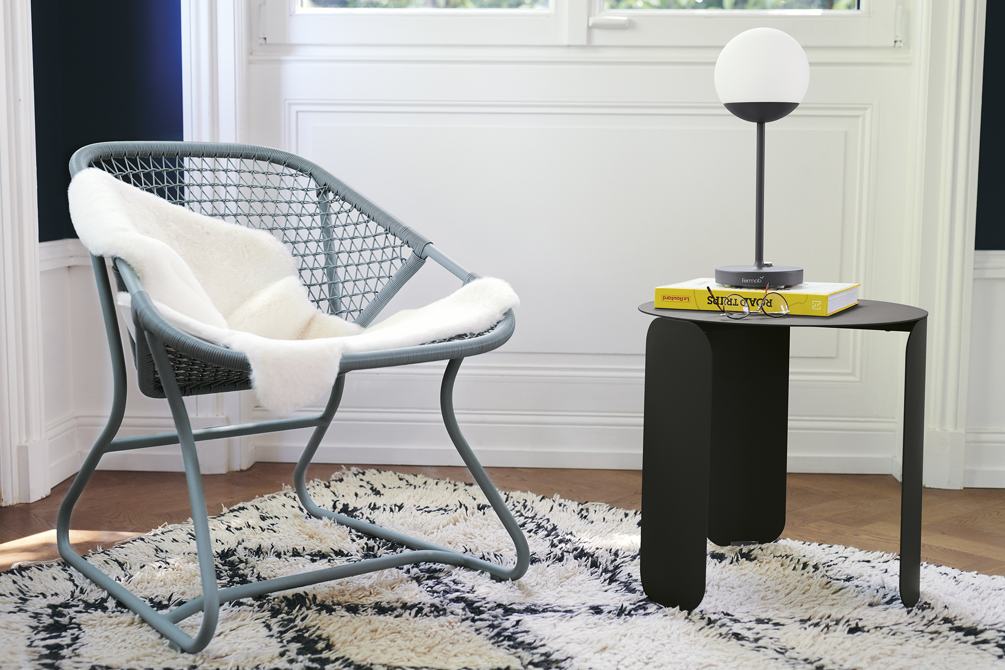 salon Fermob, fauteuil de jardin, table basse metal, fauteuil design, table basse design, lampe fermob, lampe sans fil, lampe moon