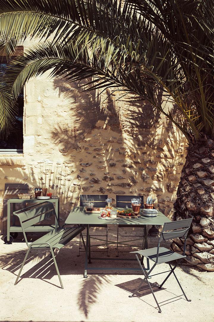 table de jardin carree, table metal, table pliante, chaise de jardin, mobilier de jardin