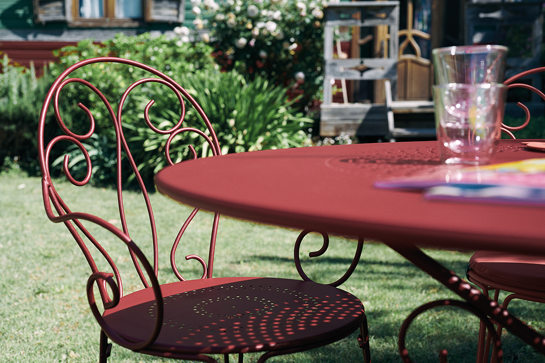 chaise metal, chaise volute, table metal, table ronde de jardin, chaise de jardin, mobilier de jardin