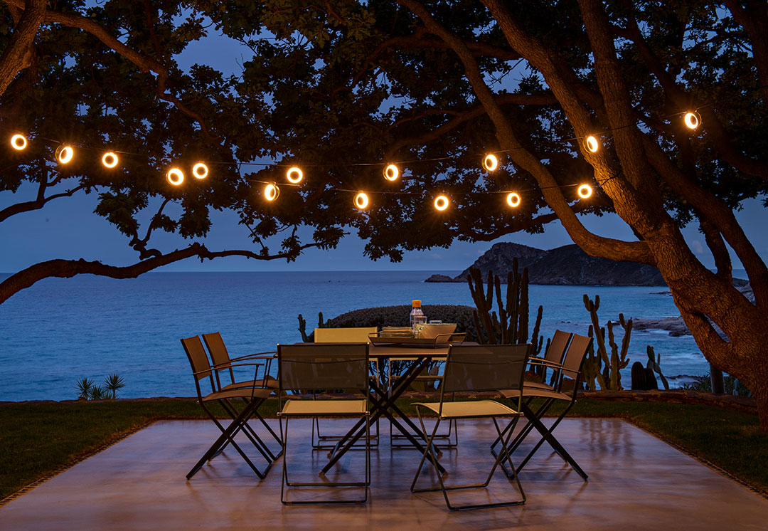 chaise pliante, table pliante, guirlande extérieur, chaise de jardin, table de jardin, outdoor furniture, folding chair, folding table, outdoor chair, outdoor table, outdoor lighting