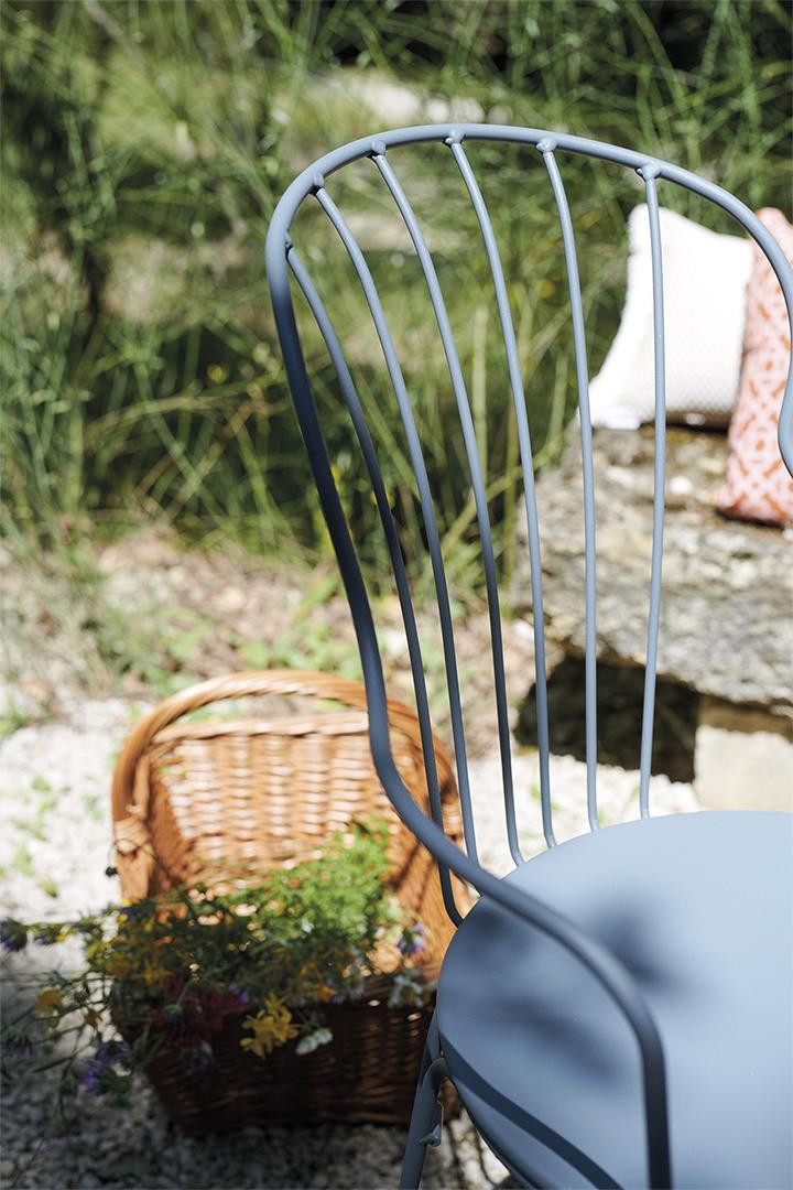 table d exterieur, lampe outdoor, desssous de plat, coussin d exterieur