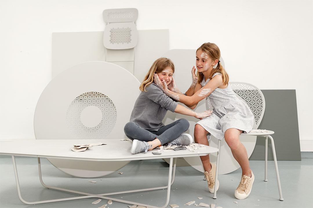 mobilier de jardin gris, table metal gris, couleur Fermob