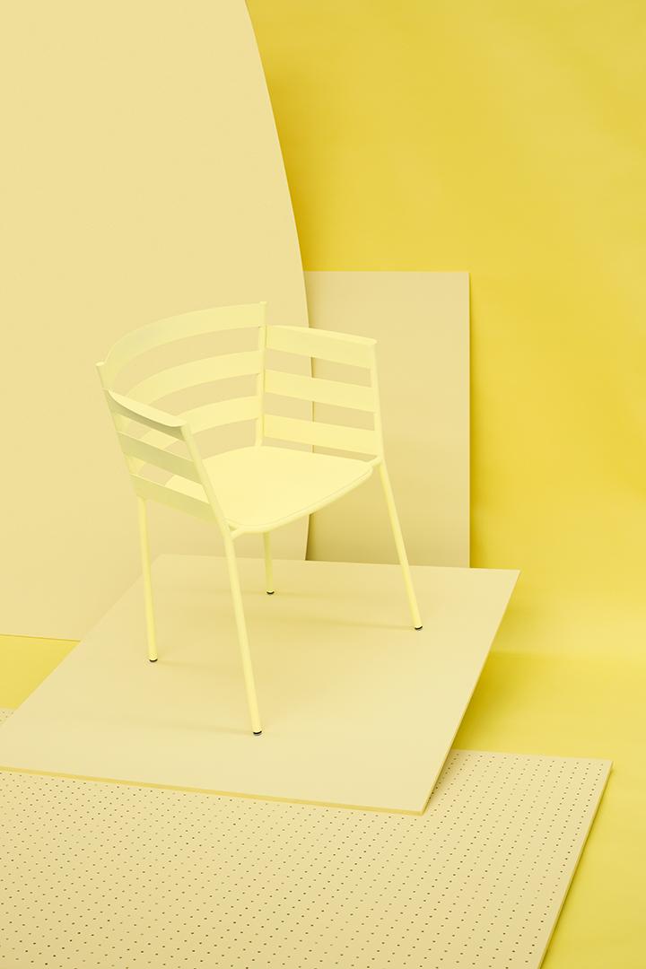 chaise coloré, chaise design, couleur fermob, chaise metal