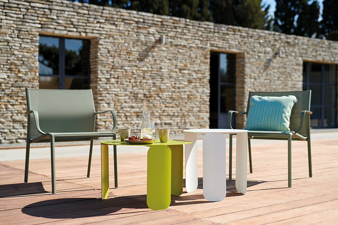 fauteuil de jardin, table basse metal, mobilier de jardin, table basse design