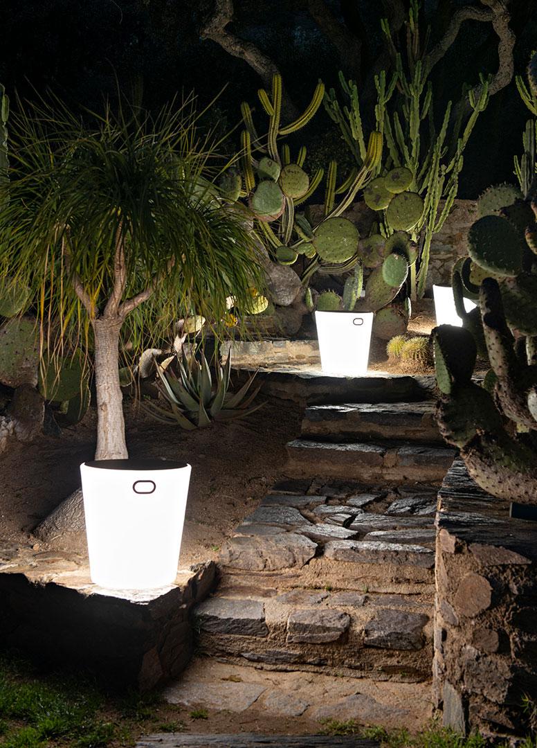 luminaire exterieur, lampe de jardin, lampe tabouret, table basse lumineuse, outdoor lamp, lighting stool