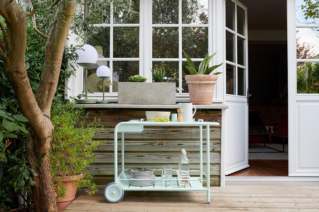 desserte metal, mobilier de jardin, bar roulant metal, mobilier terrasse, lampe à poser, luminaire d exterieur, bluetooth, lampe sans fil, lampe outdoor
