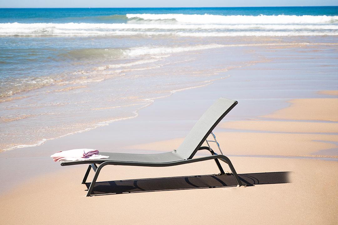 bain de soleil, bain de soleil toile, bain de soleil fermob, fermob, bain de soleil plage, sunlounger, fermob sunlounger, green sunlougner, bain de soleil vert