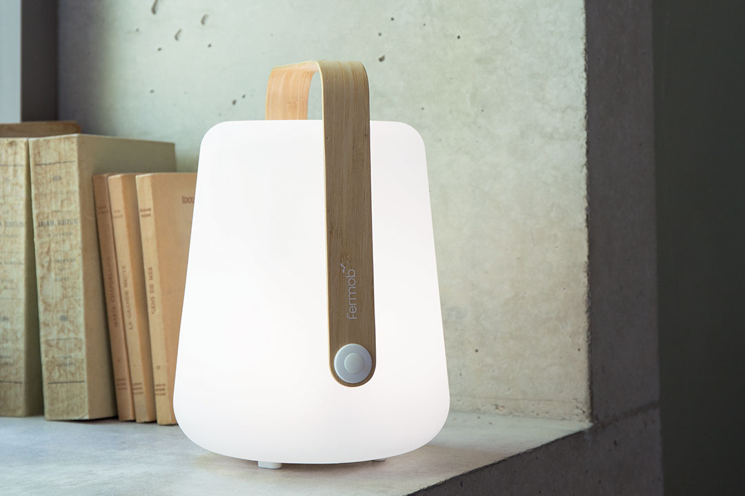lampe nomade, lampe sans fil, lampe outdoor, lampe baladeuse,  outdoor, lounge, lampe d'exterieur, lampe outdoor,