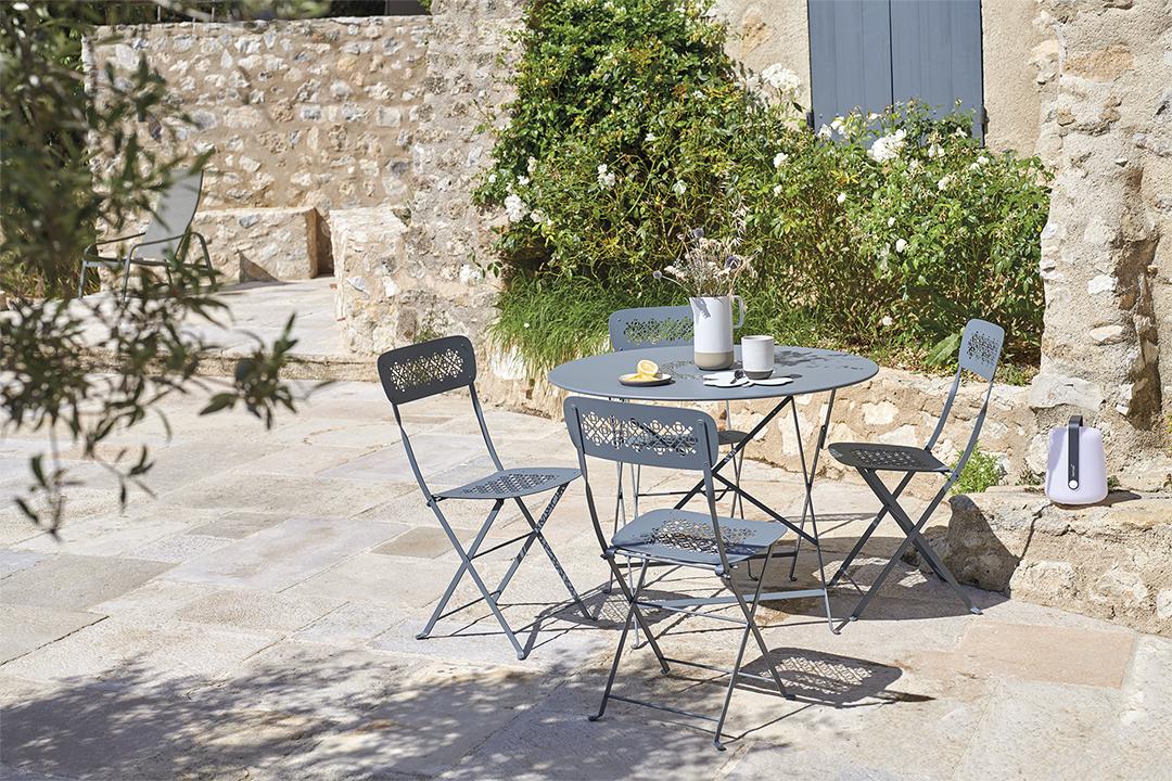 mobilier de jardin fermob, table de jardin, table metal, table pliante, chaise de jardin pliante, chaise terrasse, chaise metal pliante, chaise fermob, table fermob