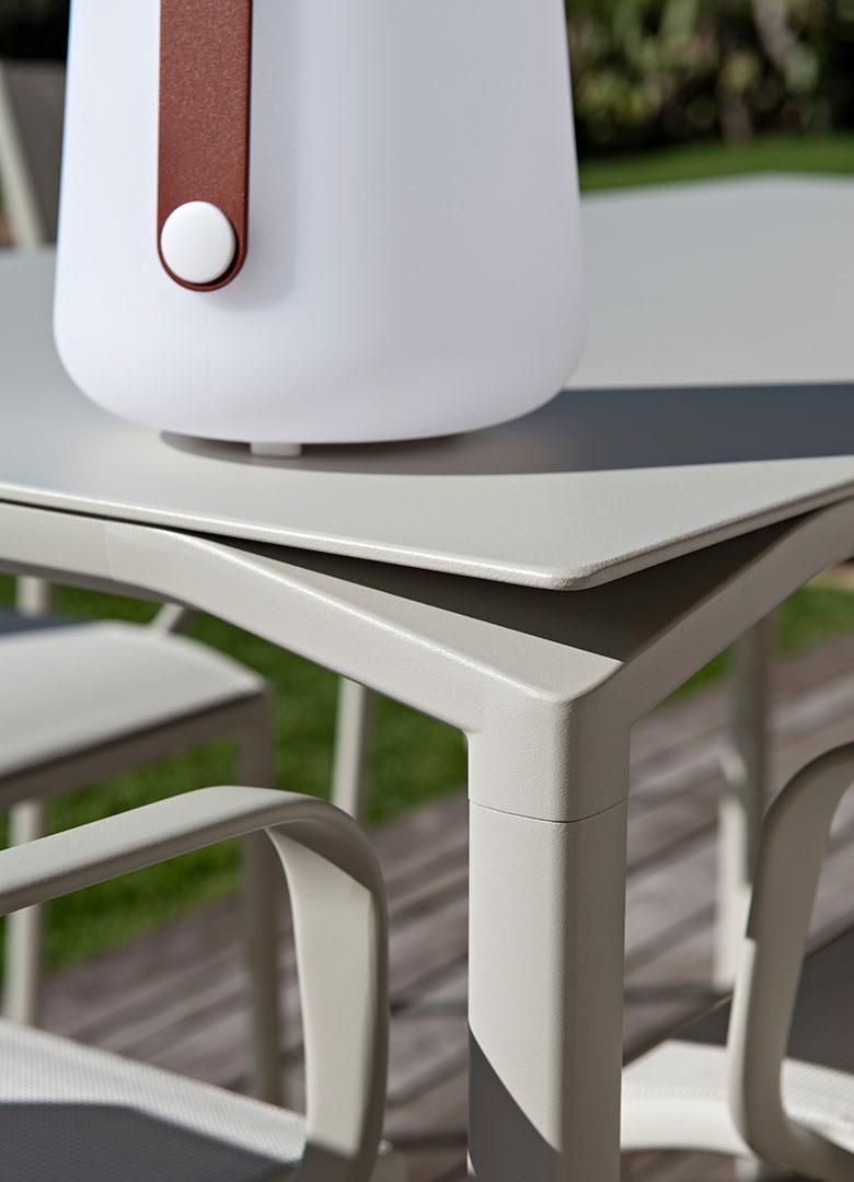 table haute design, table haute metal, table haute, high table, hoher tisch