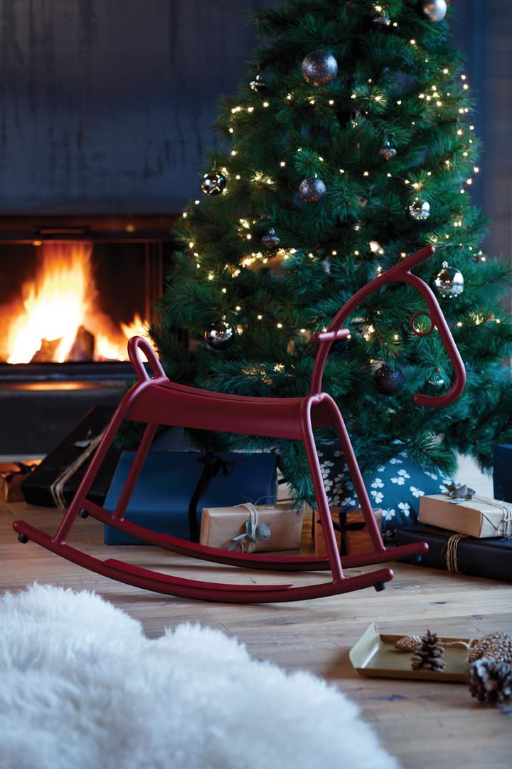 cadeau design, idee cadeau, cheval a bascule metal, cheval a bascule fermob, lampe fermob, mobilier pour enfant, fermob