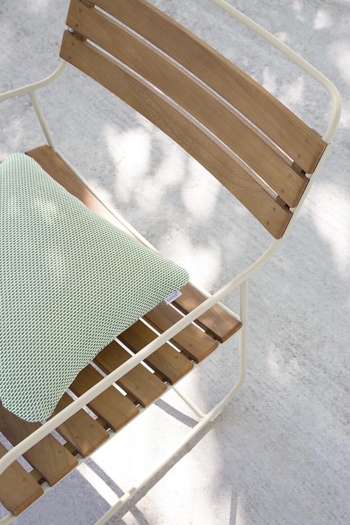 fauteuil de jardin, fauteuil métal, fauteuil teck, fauteuil bois, fauteuil outdoor, fauteuil exterieur, coussin de jardin, coussin déco, lounge