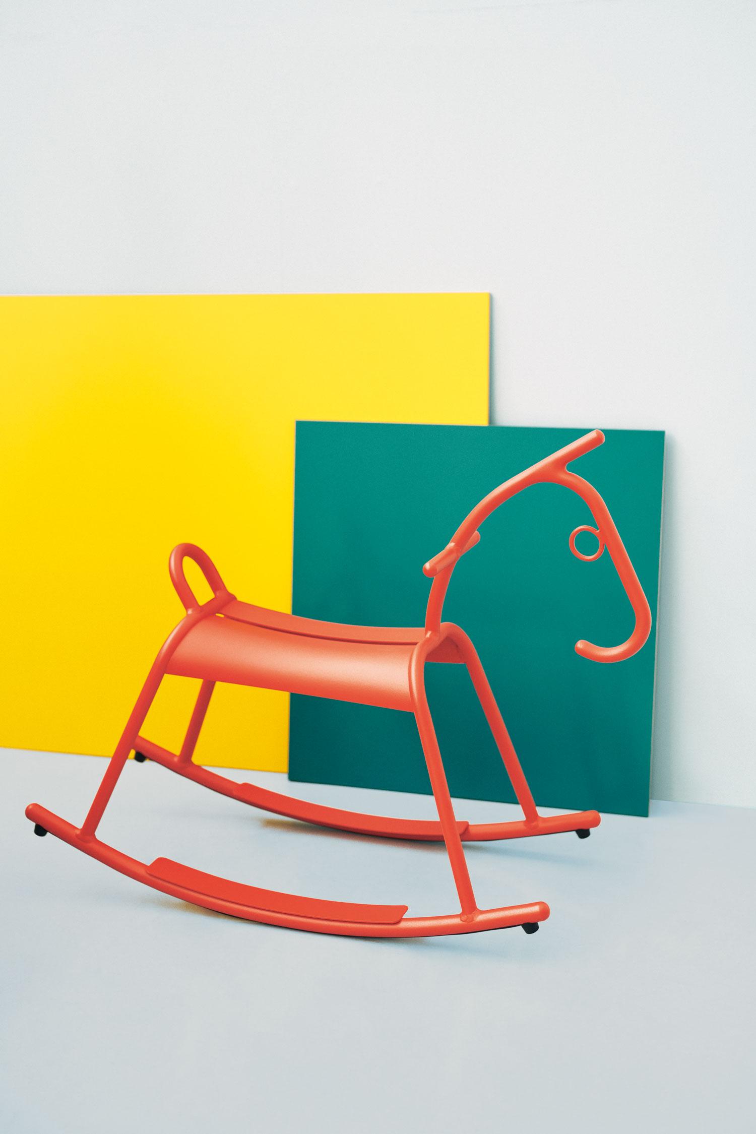 cheval a bascule metal, cheval a bascule design, jeu pour le jardin, fermob