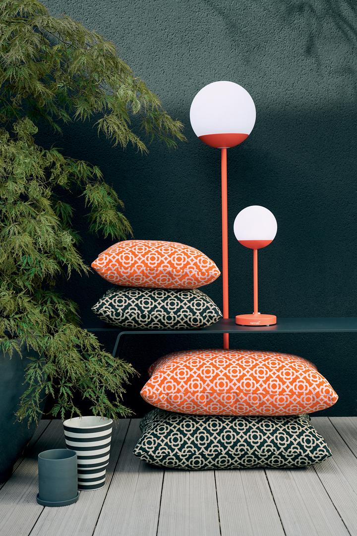 coussin de jardin, lampe sans fil, coussin exterieur, lampe terrasse, coussin terrasse