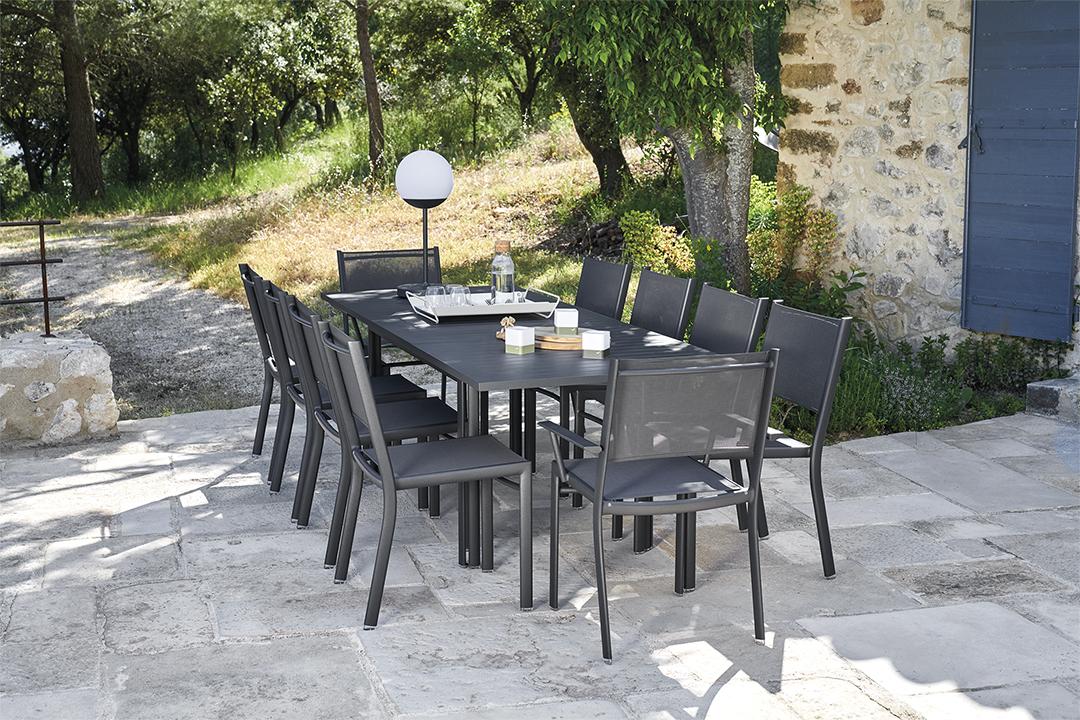 mobilier de jardin, table de jardin, table metal, chaise de jardin, chaise en toile, ensemble fermob