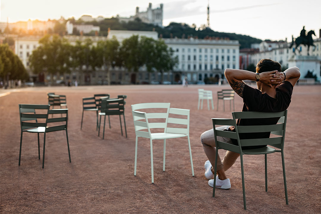 chaise design, chaise metal, chaise terrasse, terrasse restaurant