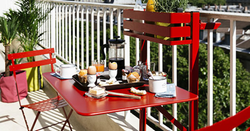 petite table metal, table de balcon, petite table fermob, table 2 personnes