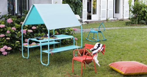 cabane jardin, table de jardin pour enfant, table enfant abrité