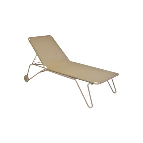 bain de soleil fermob, chaise longue fermob, bain de soleil en toile, chaise longue beige