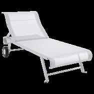 bain de soleil en toile, chaise longue en toile, chaise longue blanche, chaise longue pliante