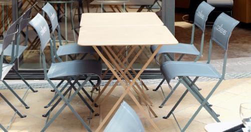 chaise dune premium mobilier de restaurant. Black Bedroom Furniture Sets. Home Design Ideas
