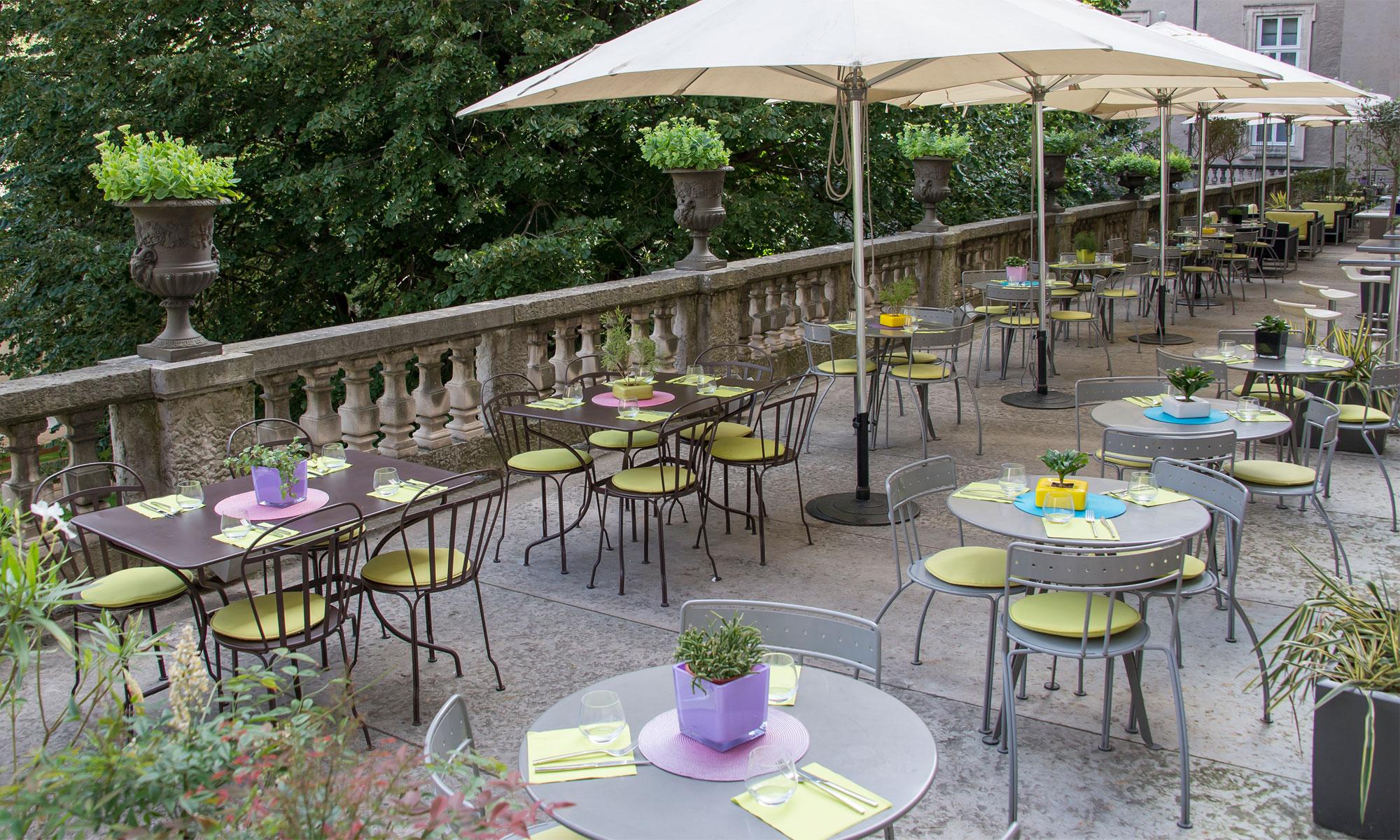 Terrasse saint pierre restaurants caf s - Restaurant tout le monde a table lyon ...