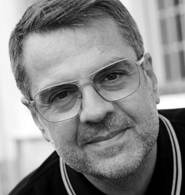 """Frédéric Sofia designer des collections de mobilier de jardin """"Luxembourg"""" et """"Sixties"""" pour Fermob"""