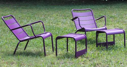 petite table basse repose pieds luxembourg pour salon. Black Bedroom Furniture Sets. Home Design Ideas