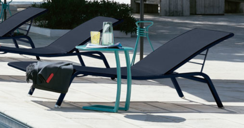table basse chaise longue, table chaise longue, table basse bain de soleil