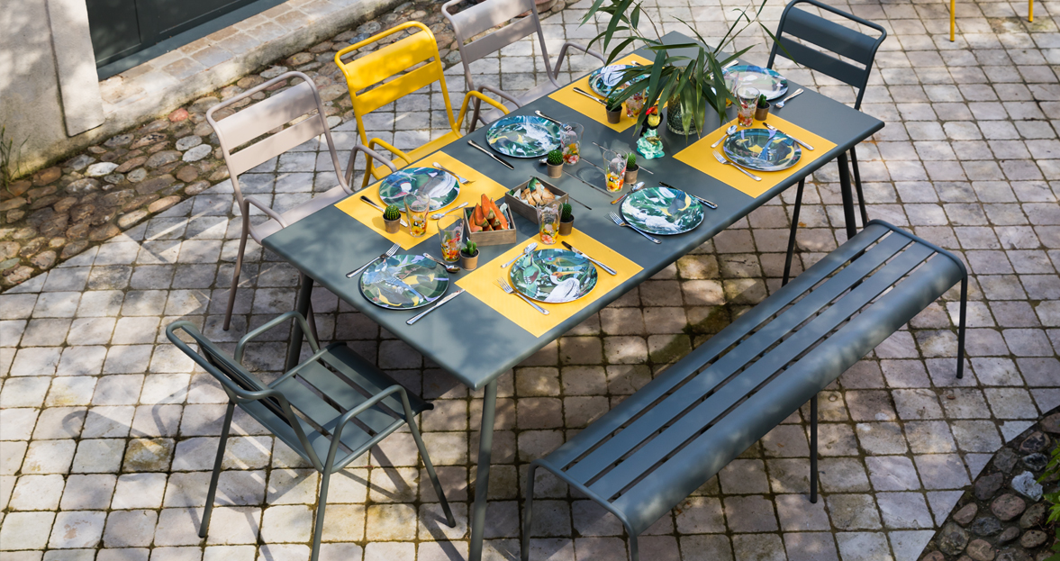 Monceau armchair outdoor furniture of steel - Table fermob cargo ...