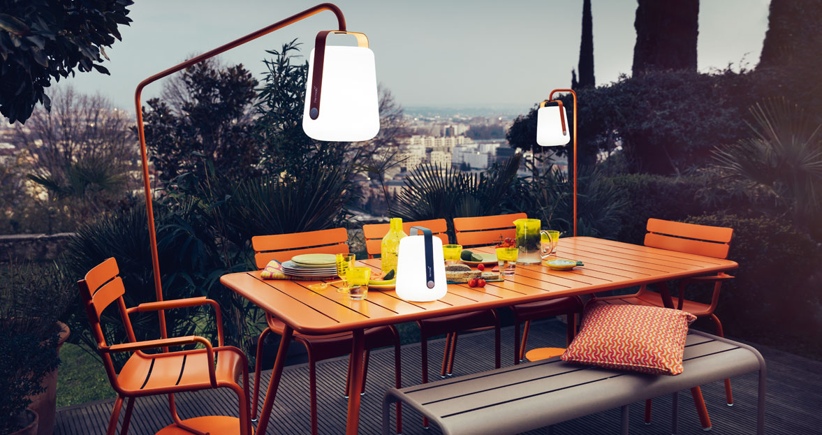 mobilier de jardin table de jardin lampe design