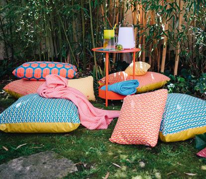 collection envie d 39 ailleurs fermob accessoires de jardin. Black Bedroom Furniture Sets. Home Design Ideas