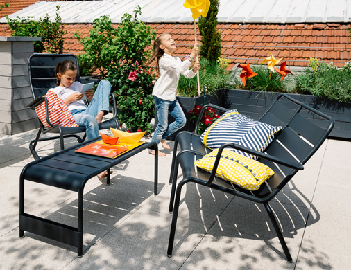 meubles lounge pour terrasse et bord de piscine salon de jardin fermob. Black Bedroom Furniture Sets. Home Design Ideas