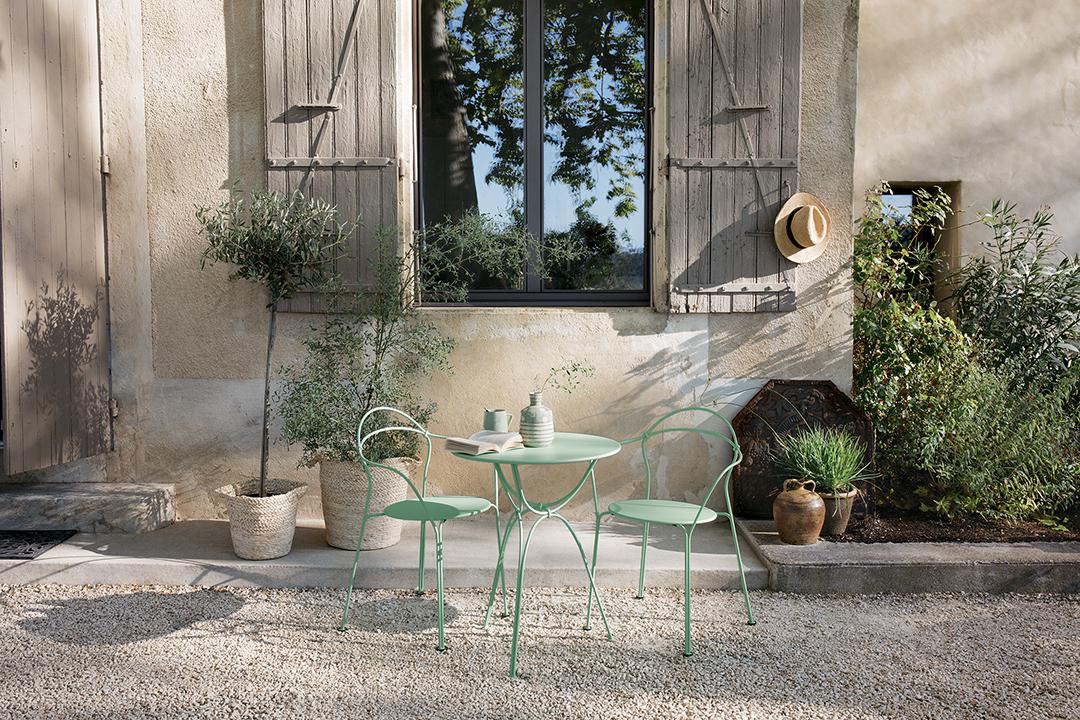 Bridge, table, fermob, mobilier d'exterieur, design, table ronde, petite table