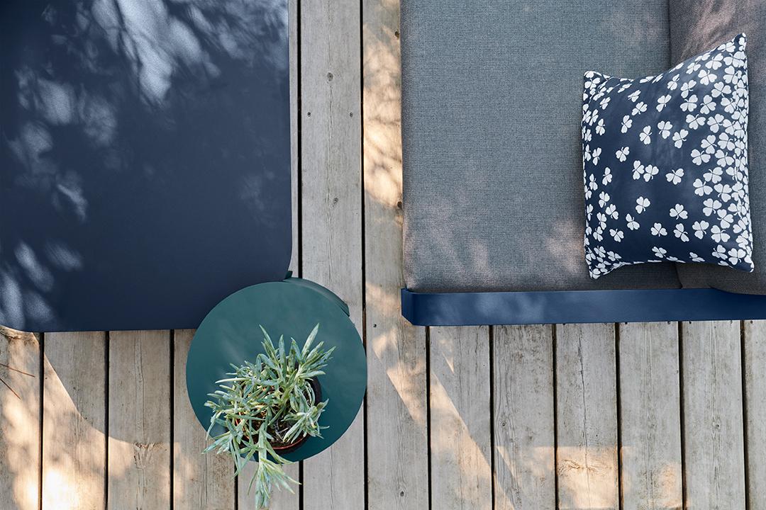 lounge, salon de jardin, metal, exterieur, table basse, canapé, fauteuil, coussin outdoor, coussin d exterieur, table basse design, canapé design