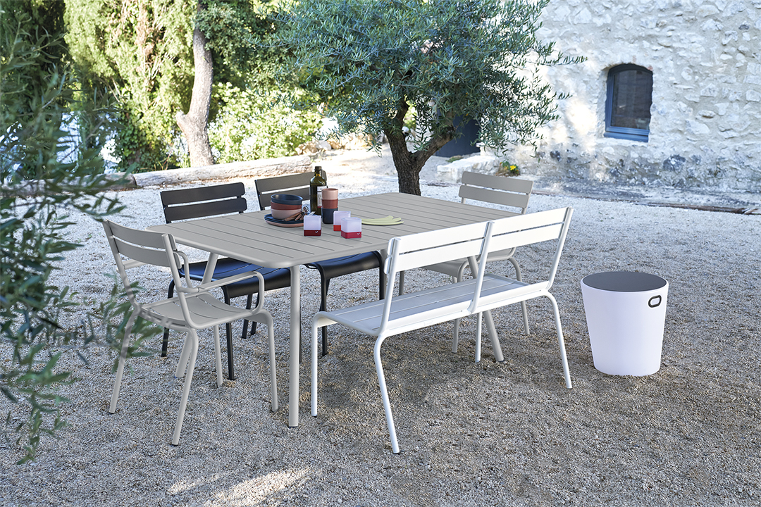 mobilier de jardin, mobilier metal, table metal, table de jardin, chaise metal, outdoor furniture