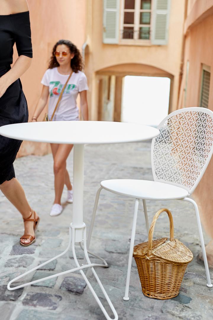 chaise metal, chaise de jardin design, table metal, petite table ronde, table de balcon
