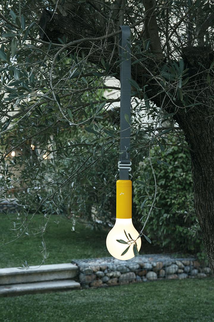lampe Fermob, lampe sans fil,  lampe design, lampe suspendue, outdoor