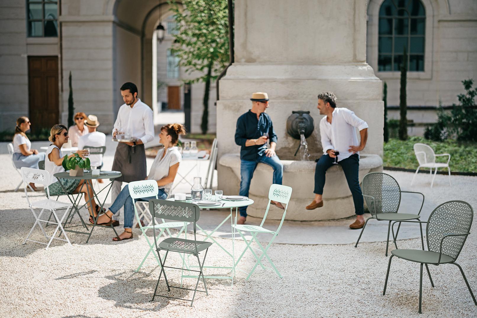 terrasse restaurant, mobilier restaurant, chaise terrasse, table terrasse