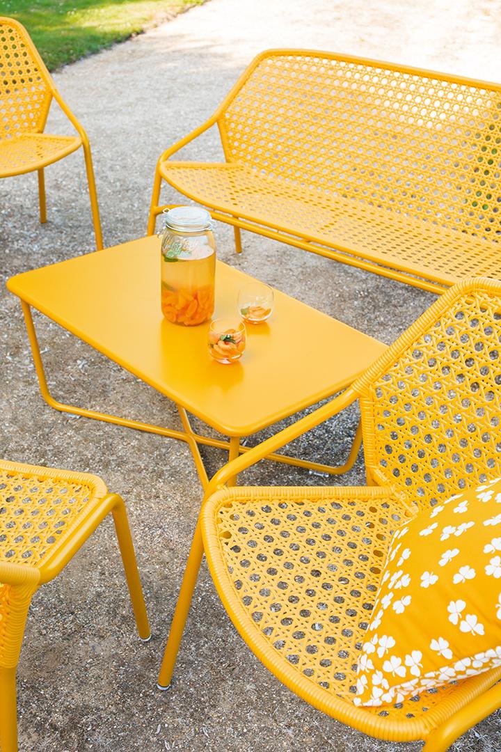 fauteuil de jardin, table basse metal, salon de jardin, coussin d exterieur, coussin outdoor